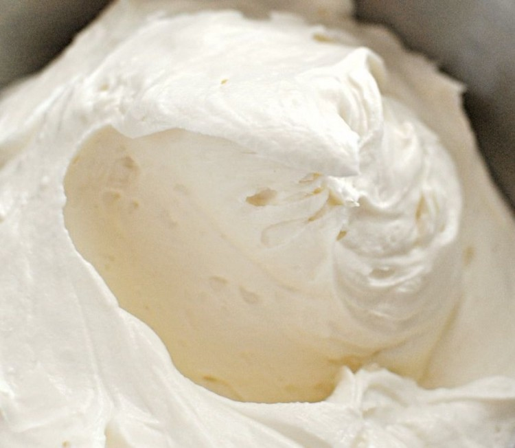Whipped Cream – Cream Cheese Frosting